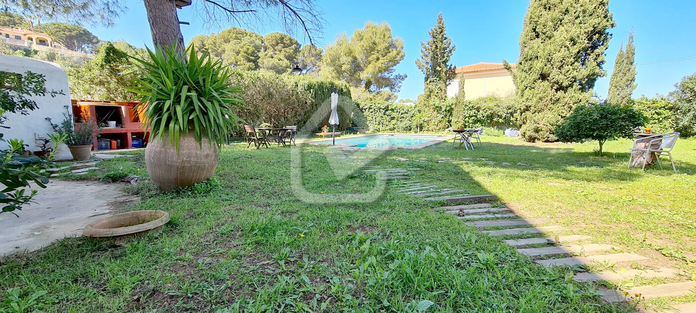 Photo  number 1: Villa in Sale in Denia, Area Las Rotas, Sector Rotas. Ref. 5-42-14946