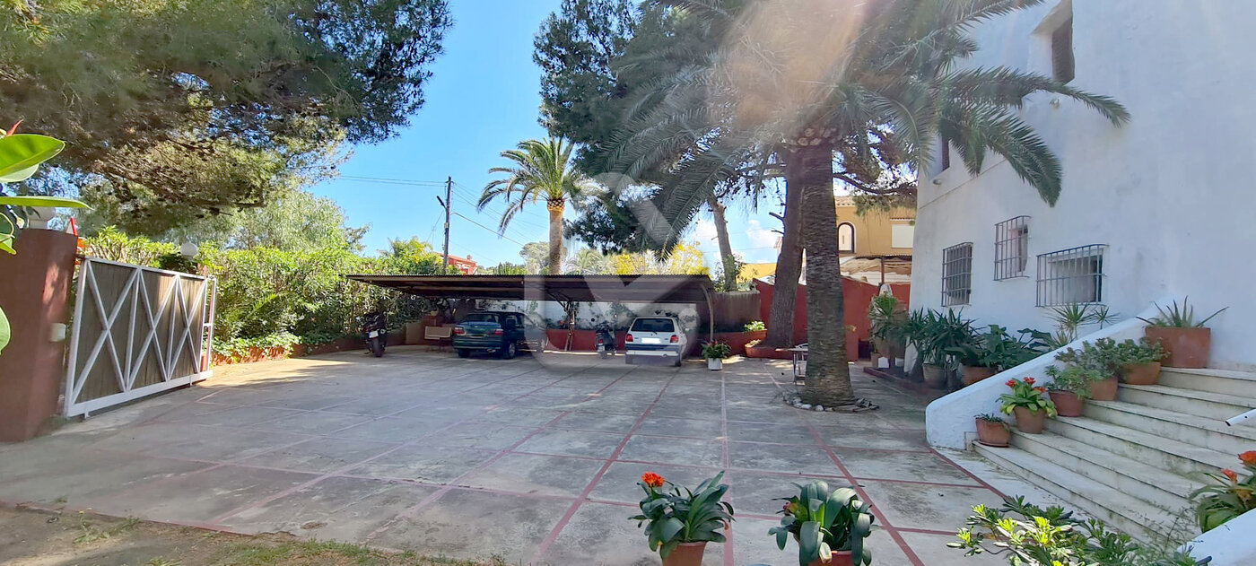 Photo  number 3: Villa in Sale in Denia, Area Las Rotas, Sector Rotas. Ref. 5-42-14946