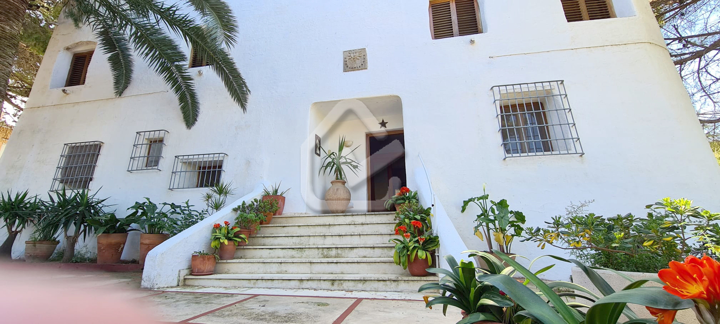 Photo  number 4: Villa in Sale in Denia, Area Las Rotas, Sector Rotas. Ref. 5-42-14946