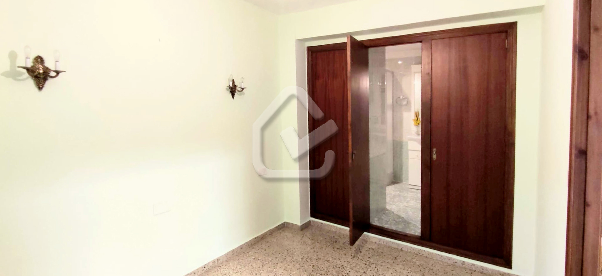 Photo  number 25: Flat / Apartment in Sale in Denia, Area Casco urbano, Sector Centro. Ref. 5-40-14951